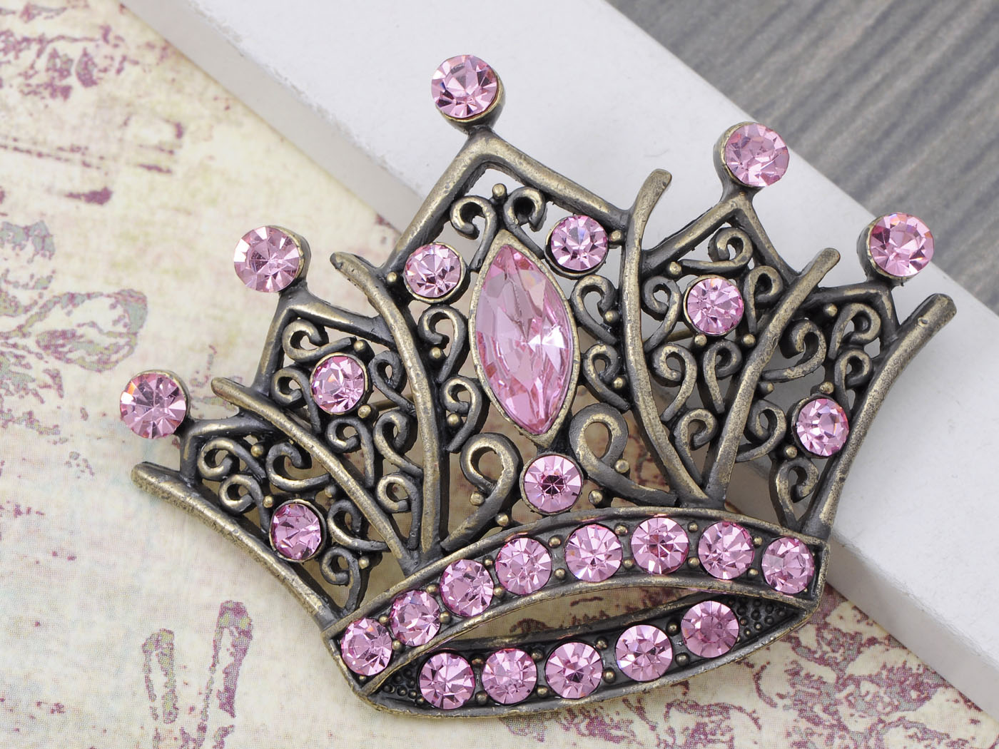 Vintage Crystal Princess Queen King Crown Fashion Jewelry power women Brooch Pin